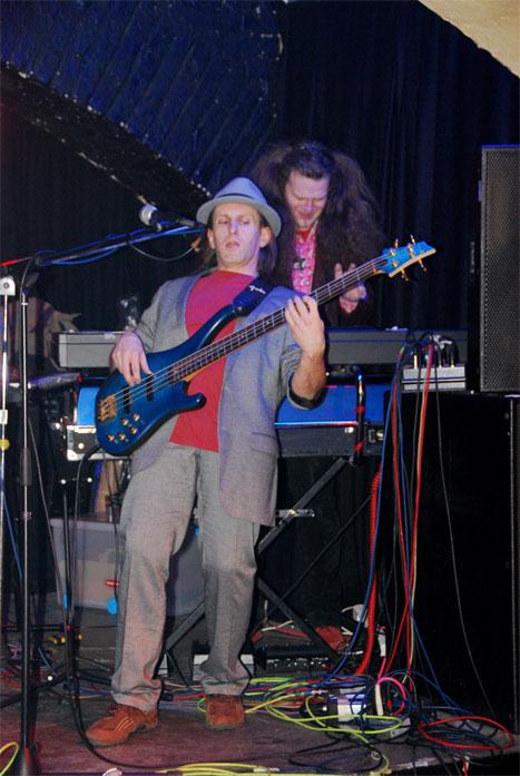 unplugged2008/8 copyright by modart digipix